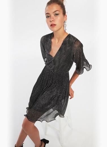 Twist Derin V Yaka Volanlı Mini Elbise Gümüş